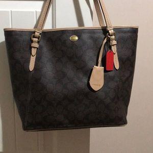Coach zipper tote/purse